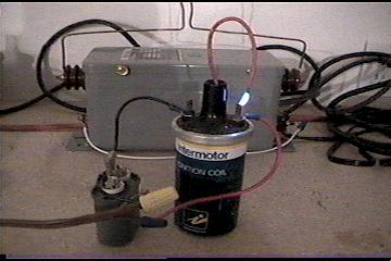 Ignition coil high voltage supply